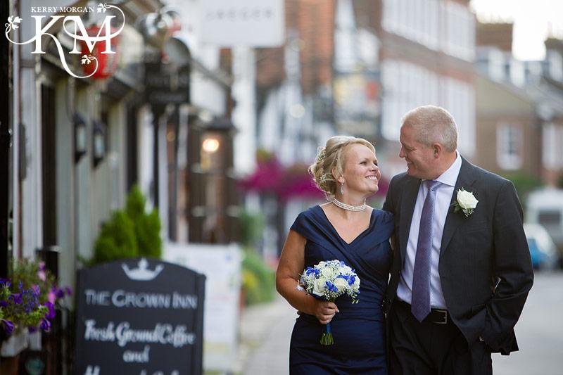 amersham wedding photographer outside the Crown in Amersham