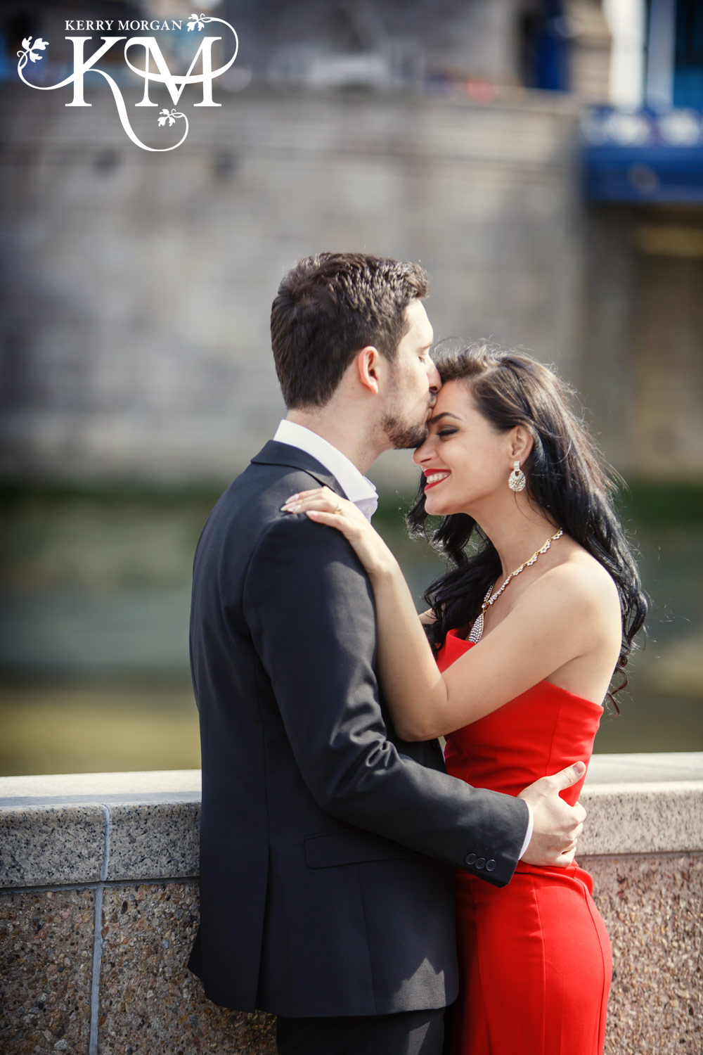 London bridge engagement photos
