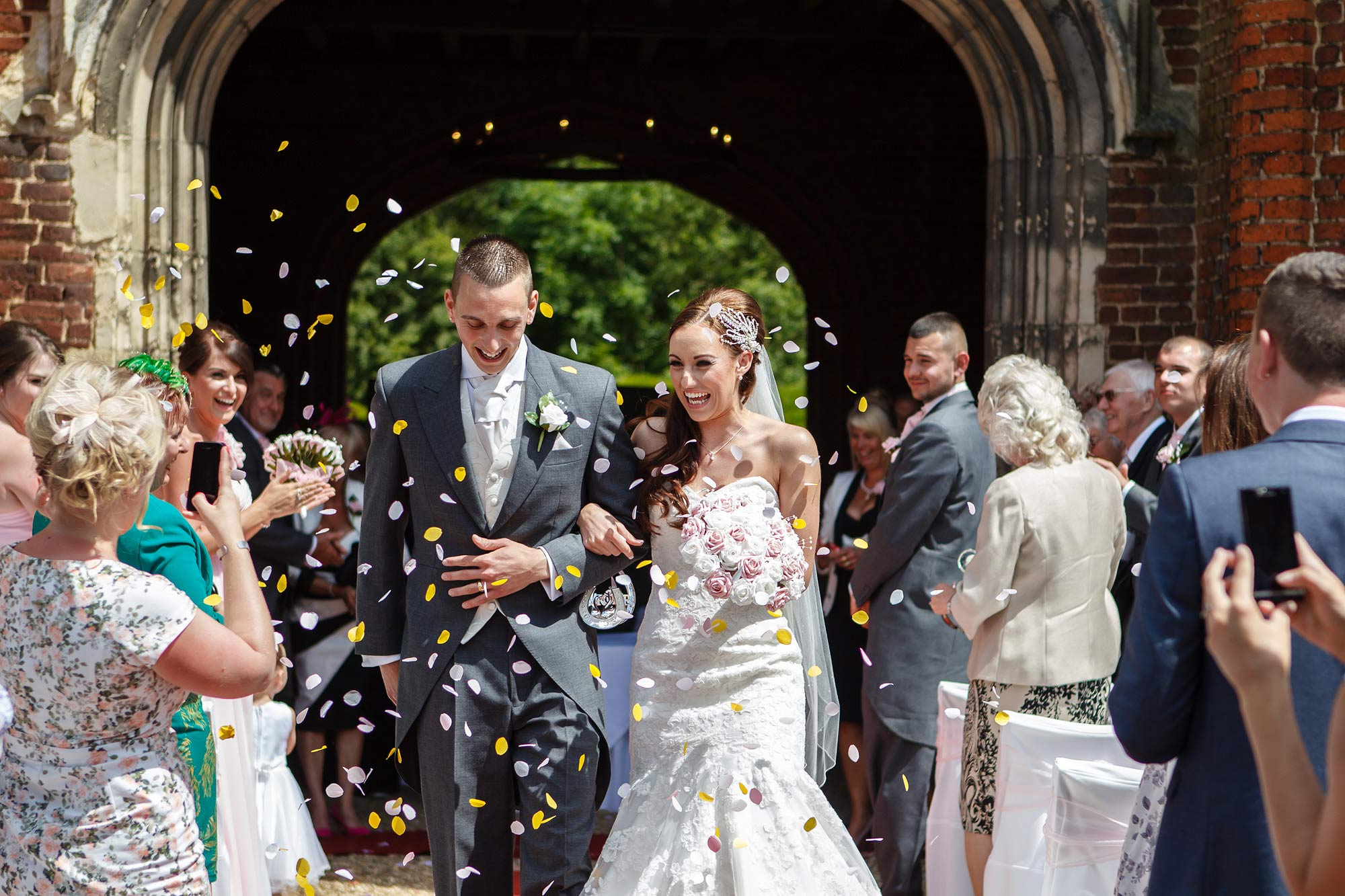 confetti shot leez priory