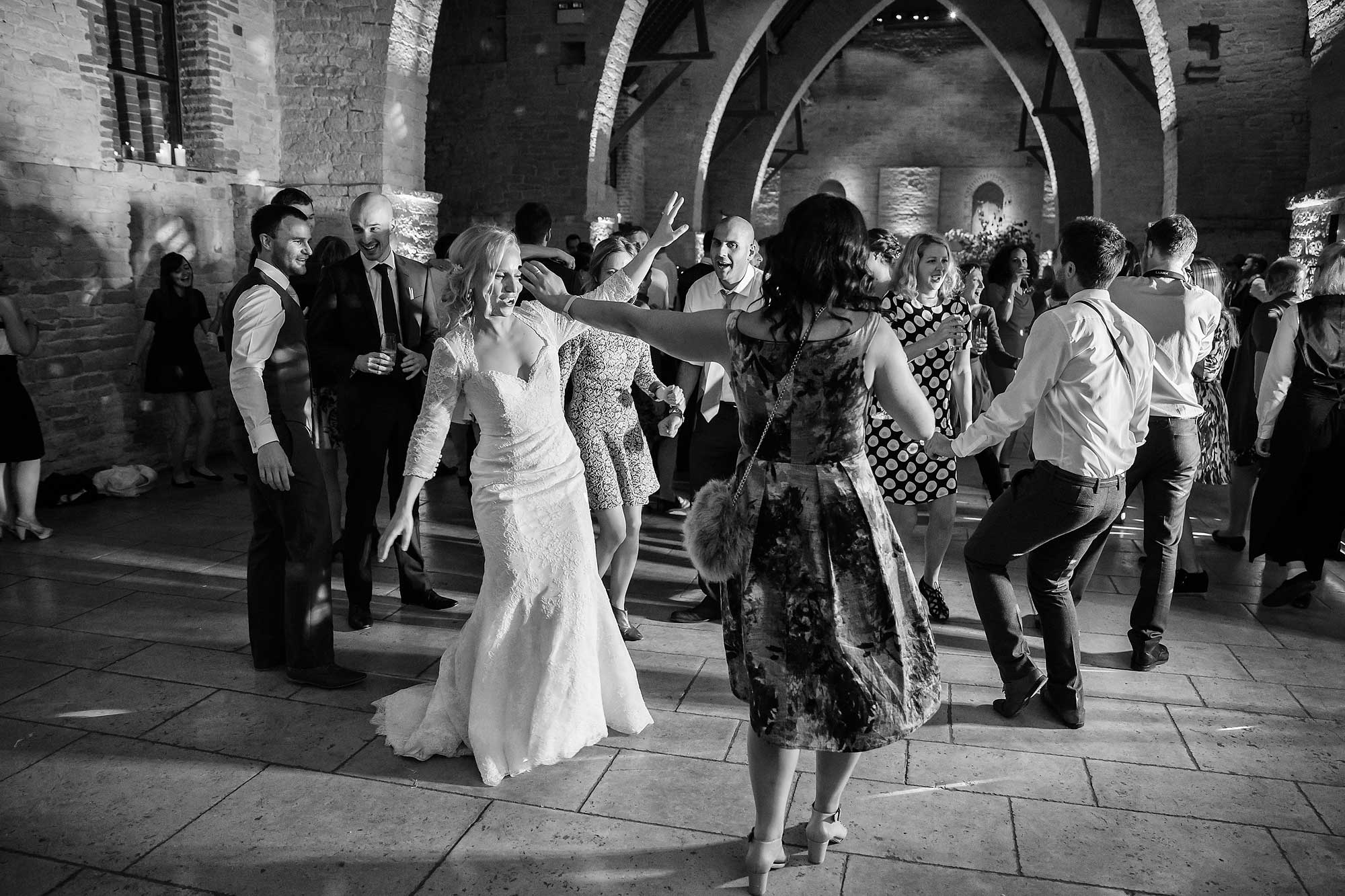 dancing at wedding tithe barn