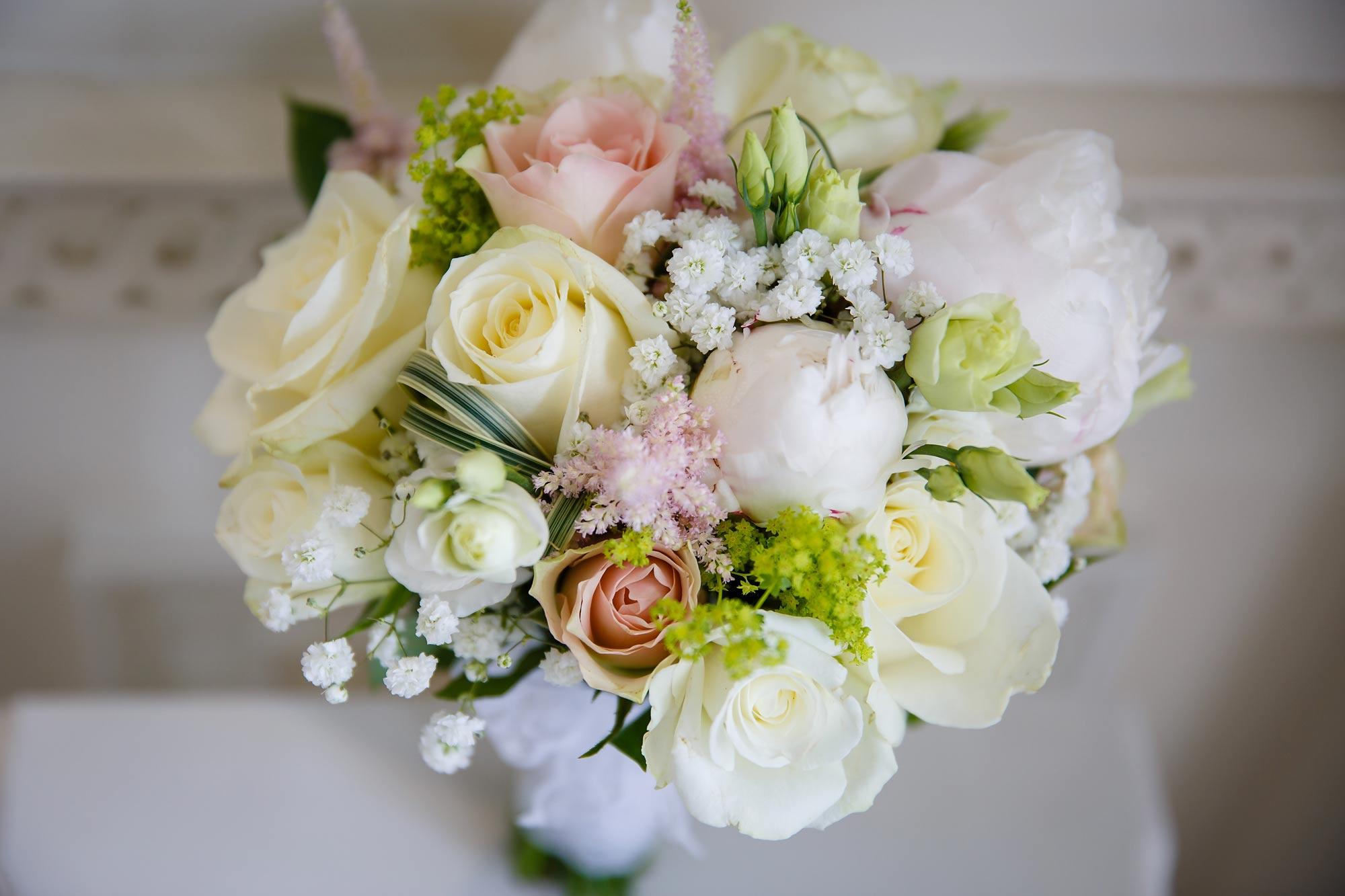 floral arrangement at Hedsor House Wedding