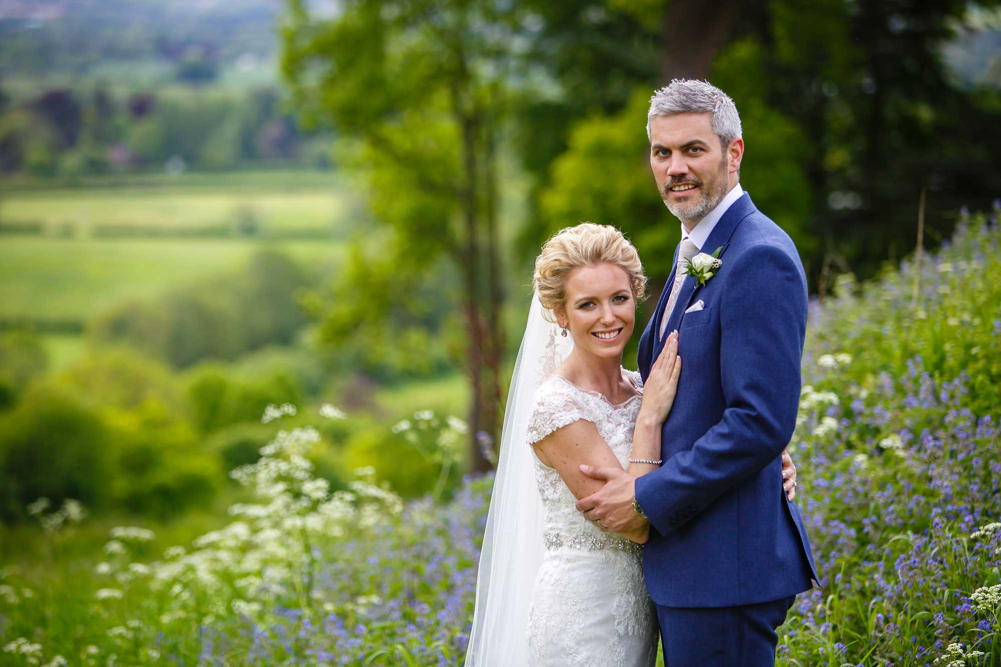 summer wedding photos at hedsor House
