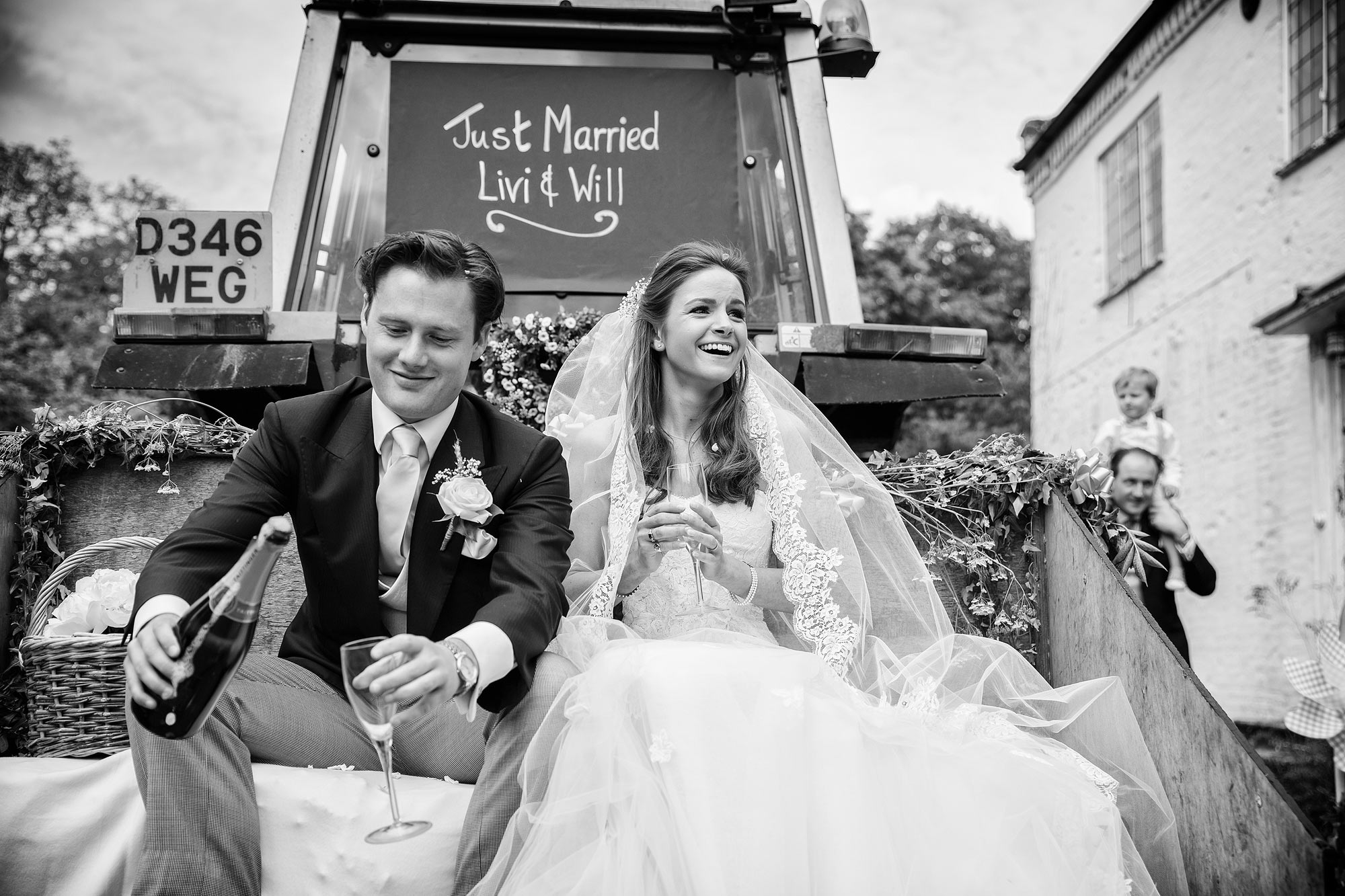 documentary wedding photographer Kent
