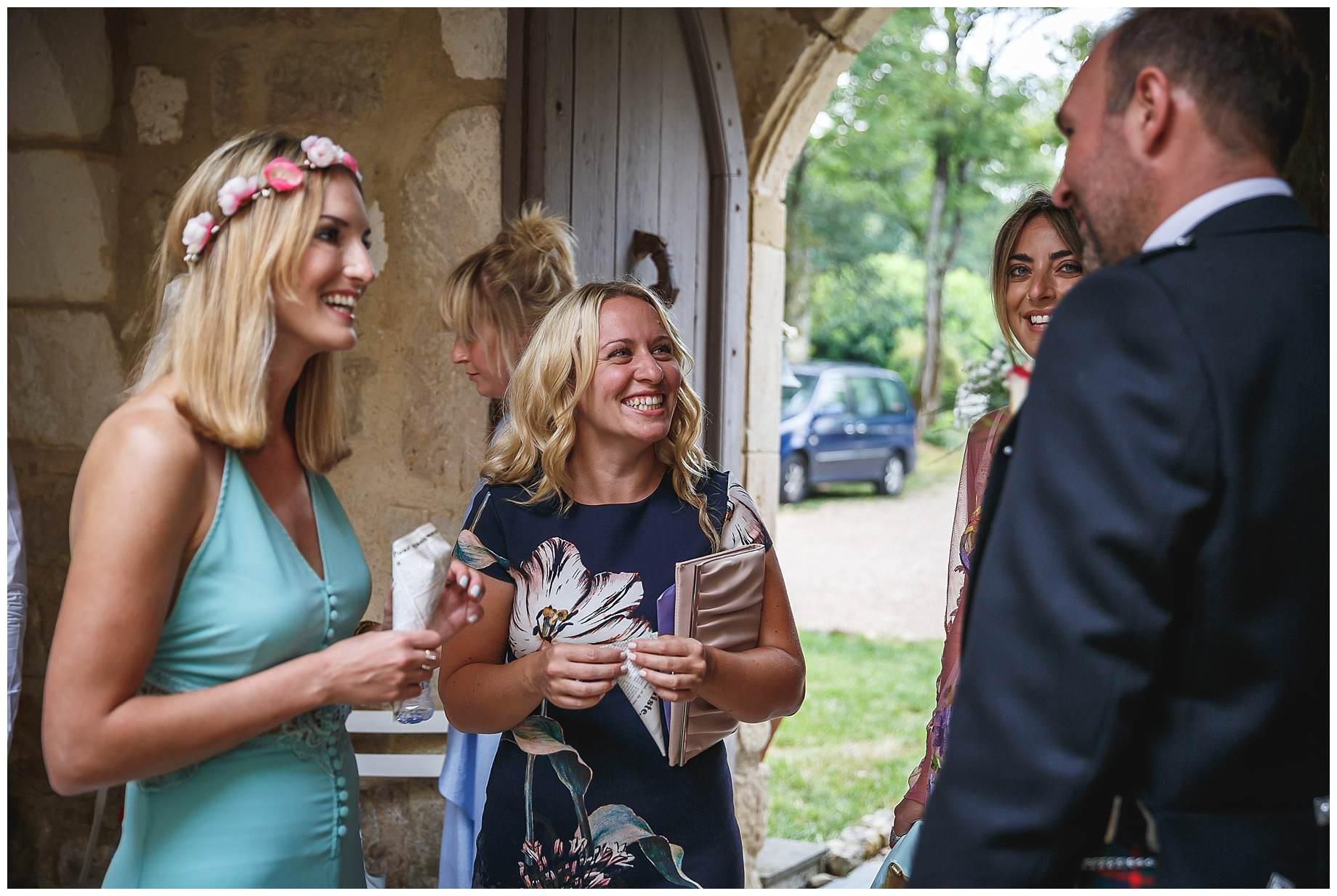guests arriving at Chateau Brametourte Wedding