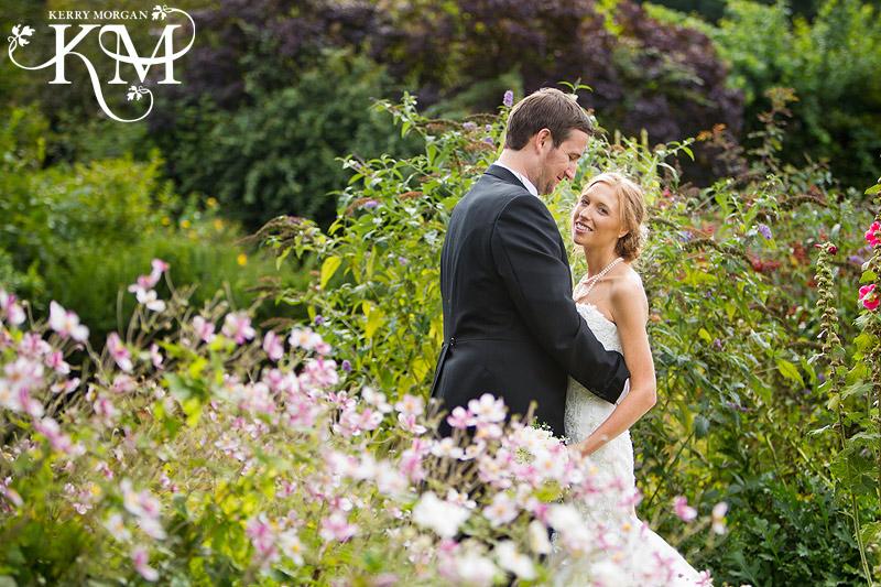 court lodge barn wedding couples portraits