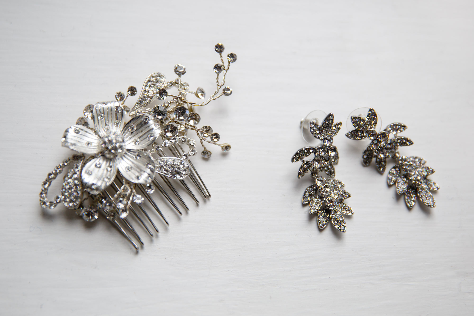 hair accessories at Stock Brook Country Club Wedding
