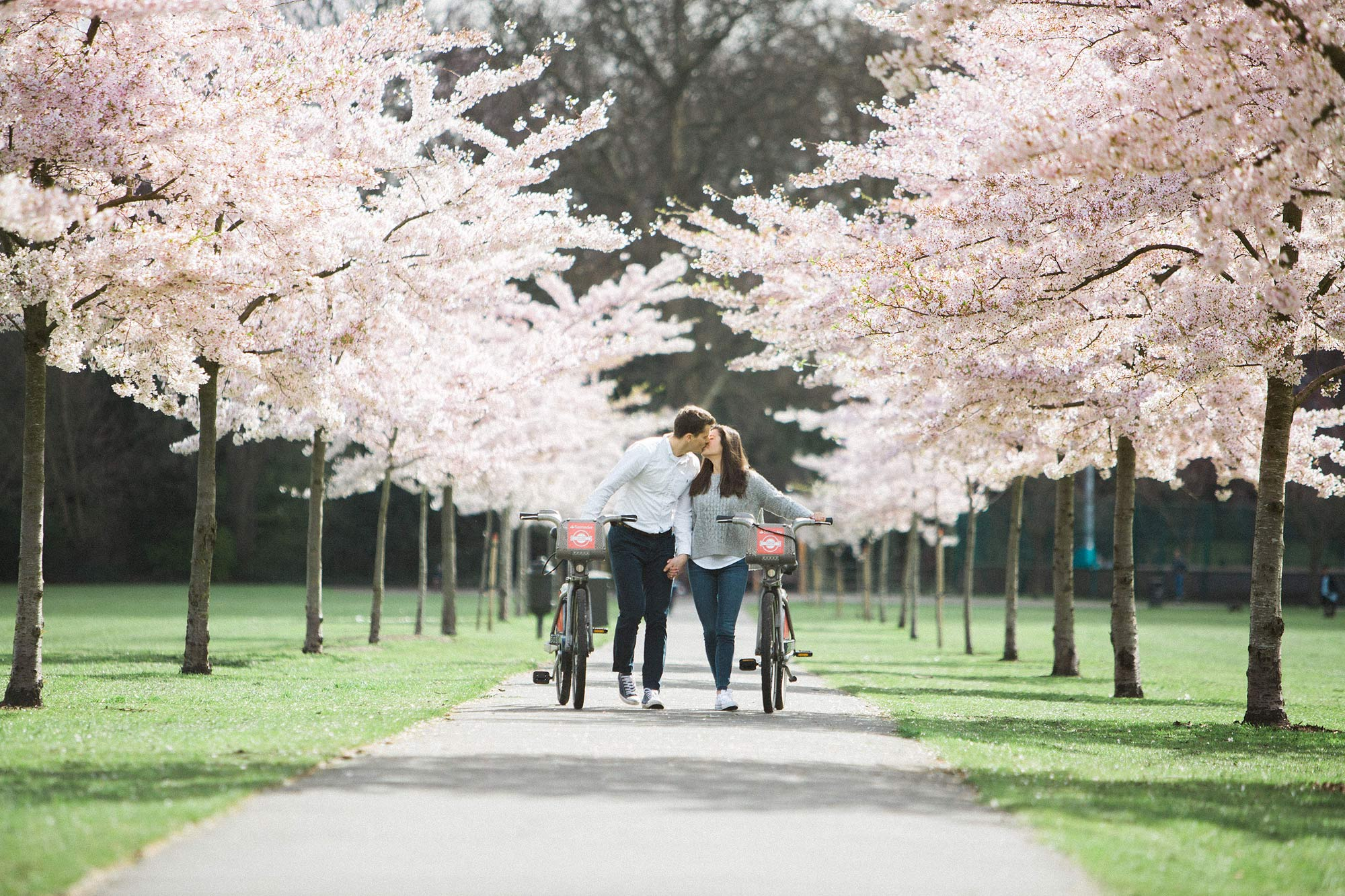cherry blossom london engagement photos