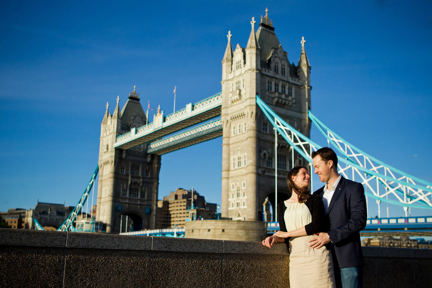 tower bridge engagement shoot