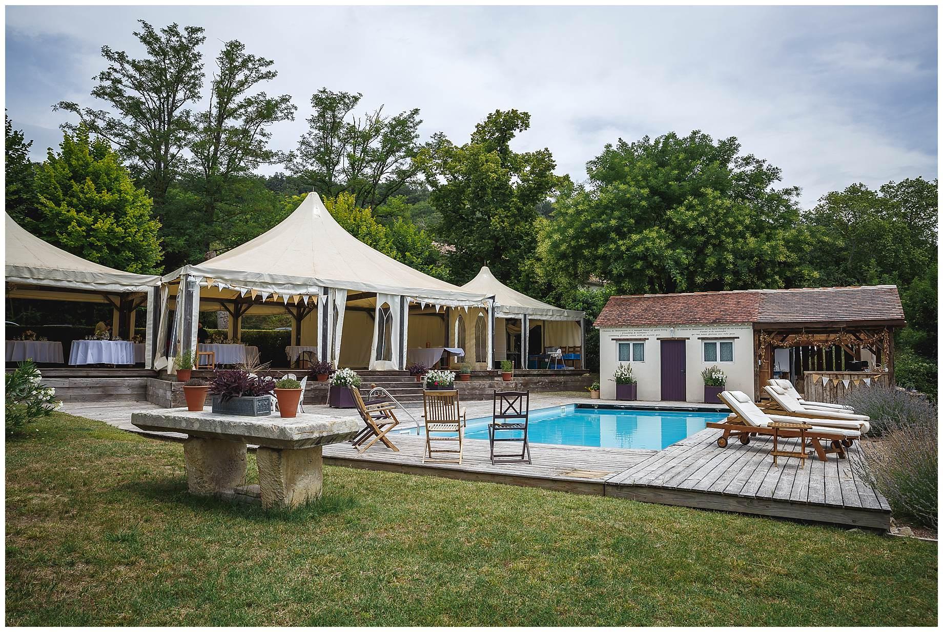 The swimming pool at Chateau Brametourte