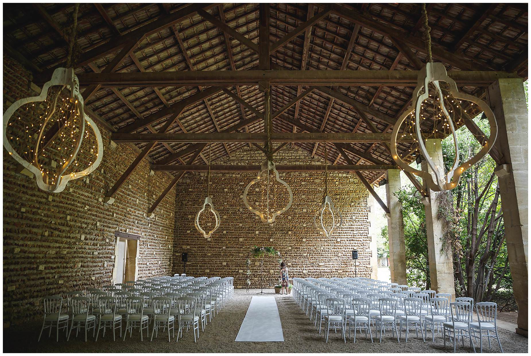 the barn set for the wedding at chateau de Vergieres