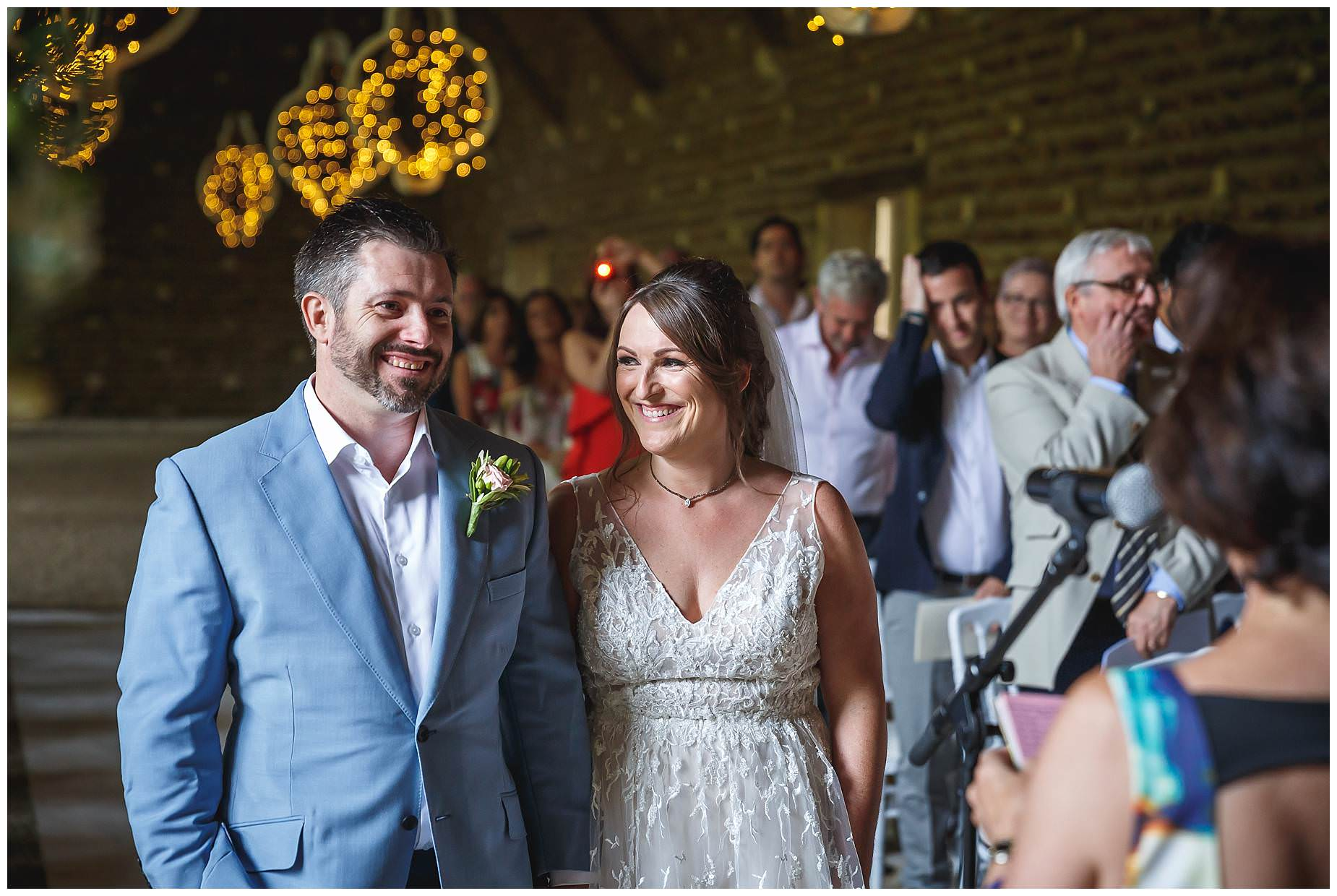 wedding in barn chateau de Vergieres