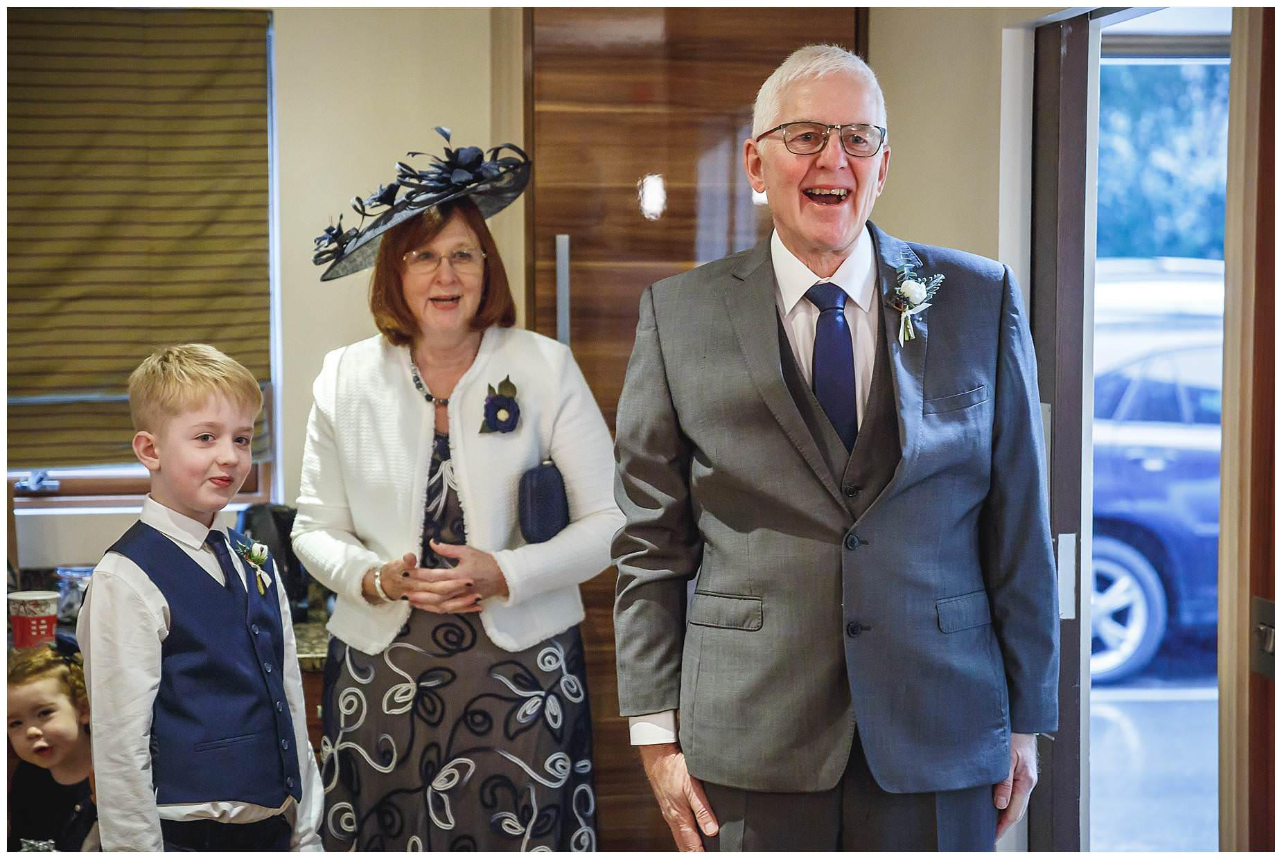 Dad sees bride for the first time at Northbrook Park wedding