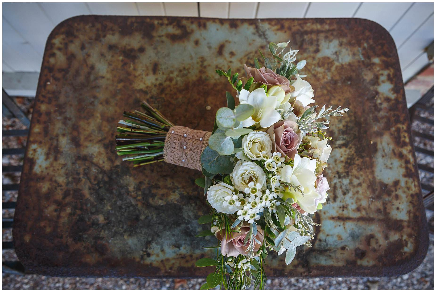 rustic bouquet florist bury court barn