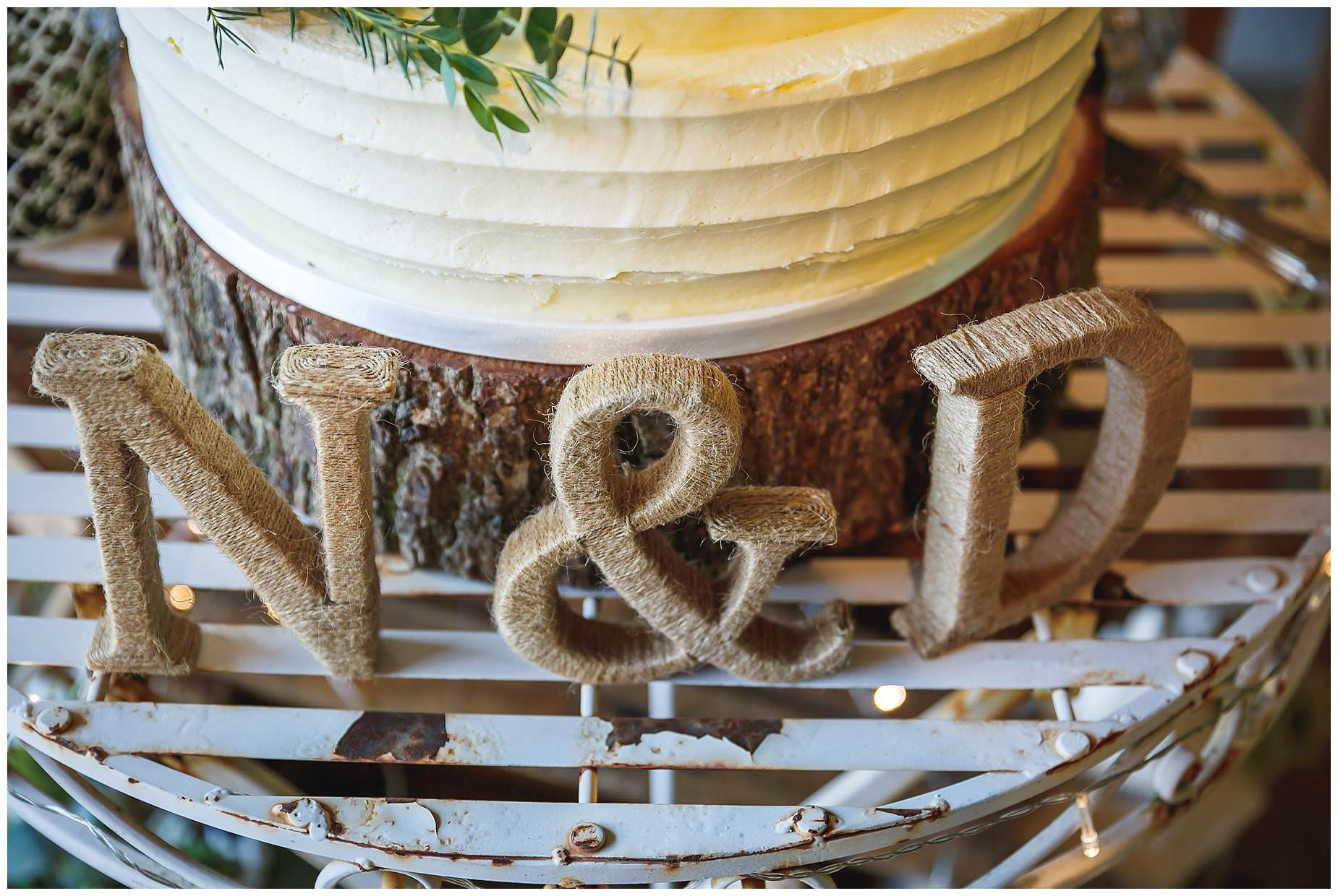 close of cake Bury Court Barn Wedding