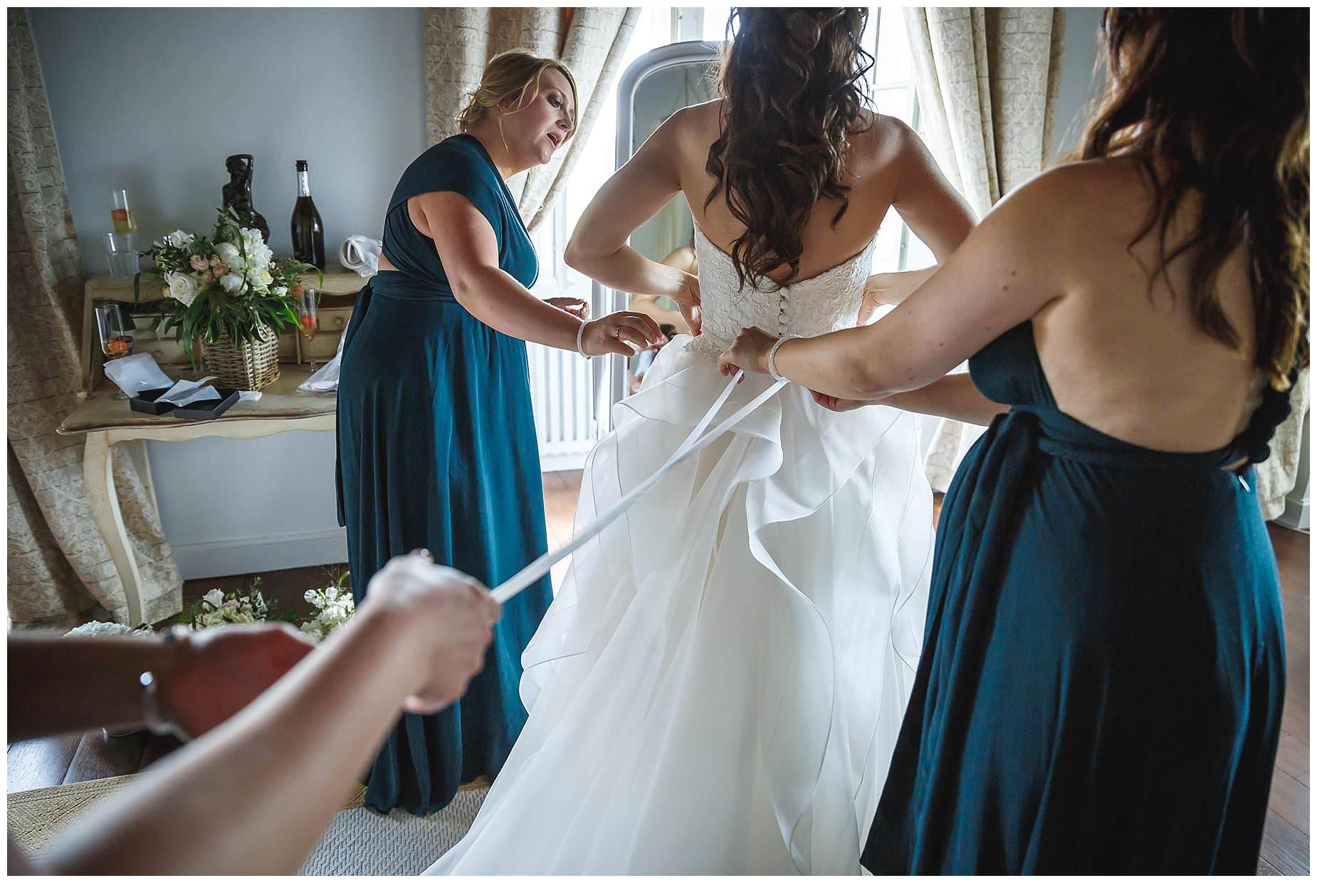 tying dress