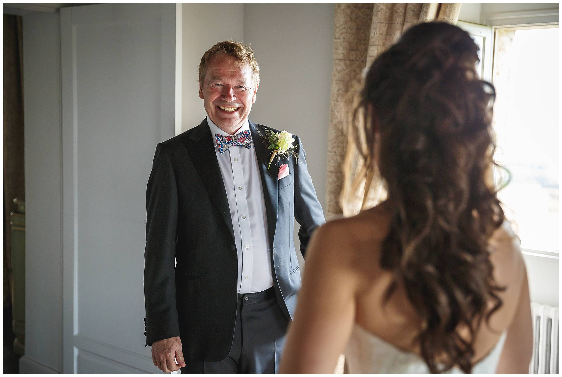bride's dad sees her for the first time
