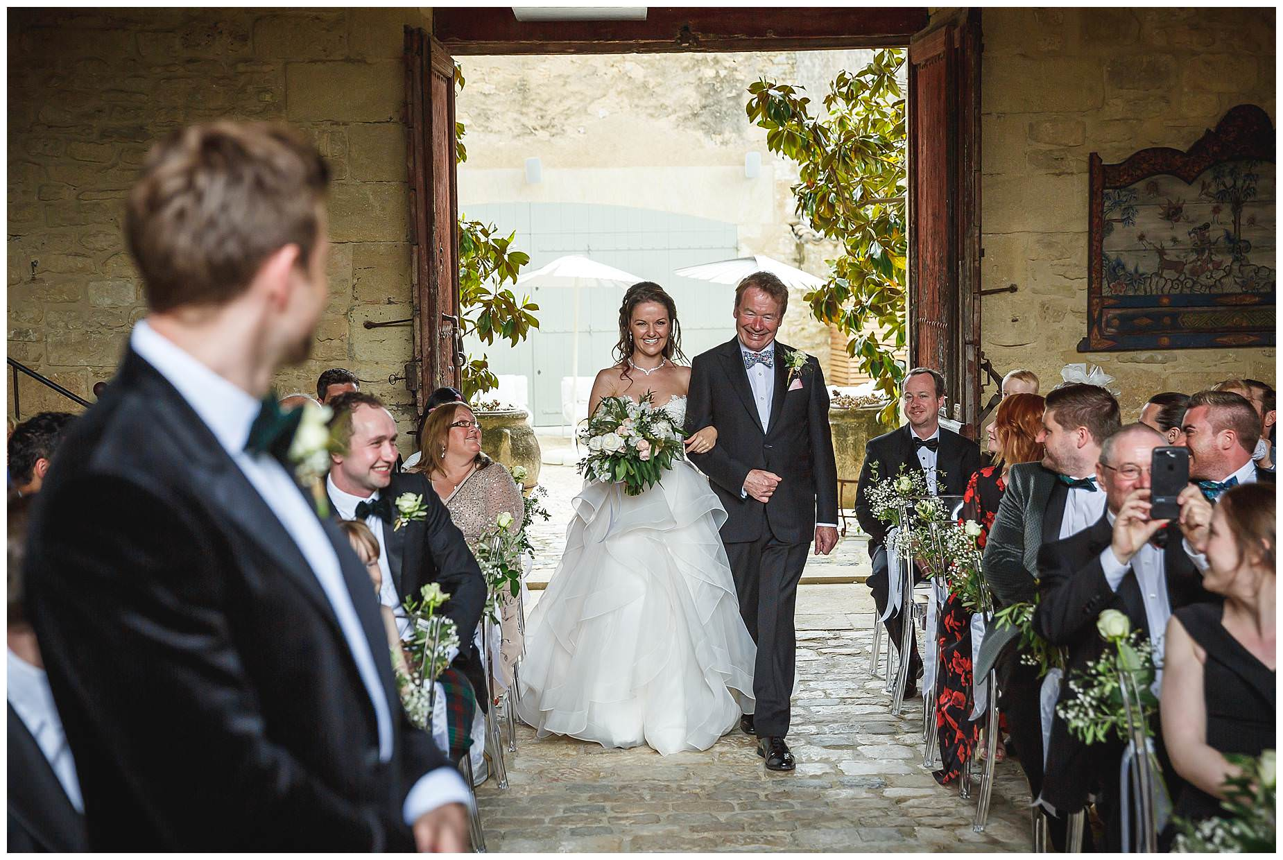 wedding at chateau provence saint maimum