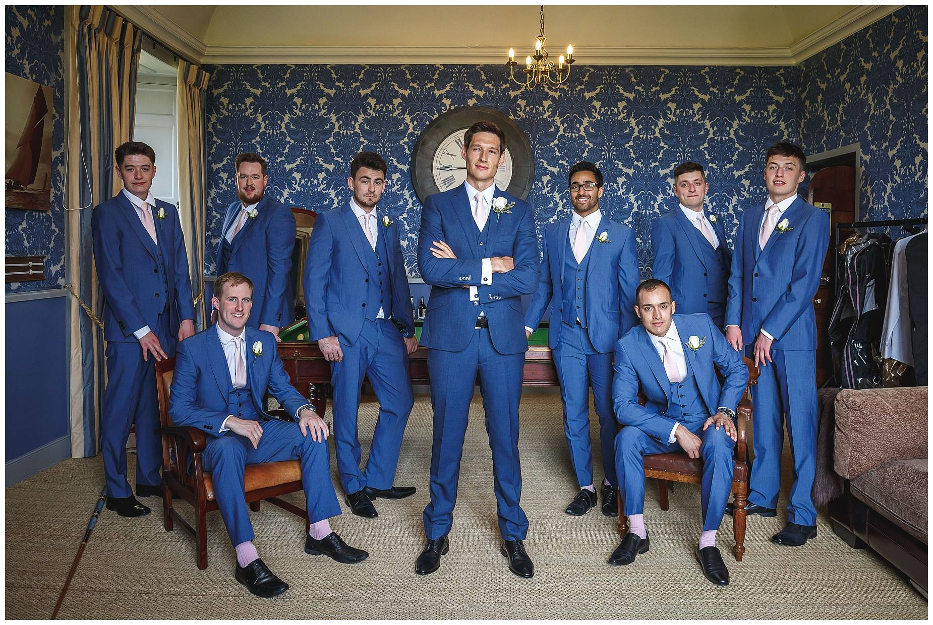 groom and groomsmen picture
