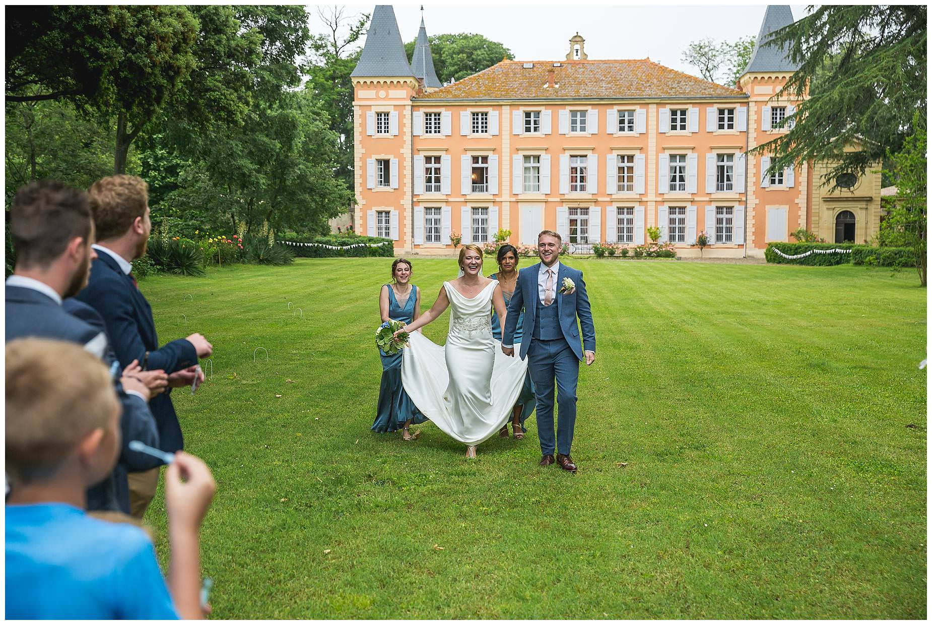 bride and groom at Chateau Roquelune