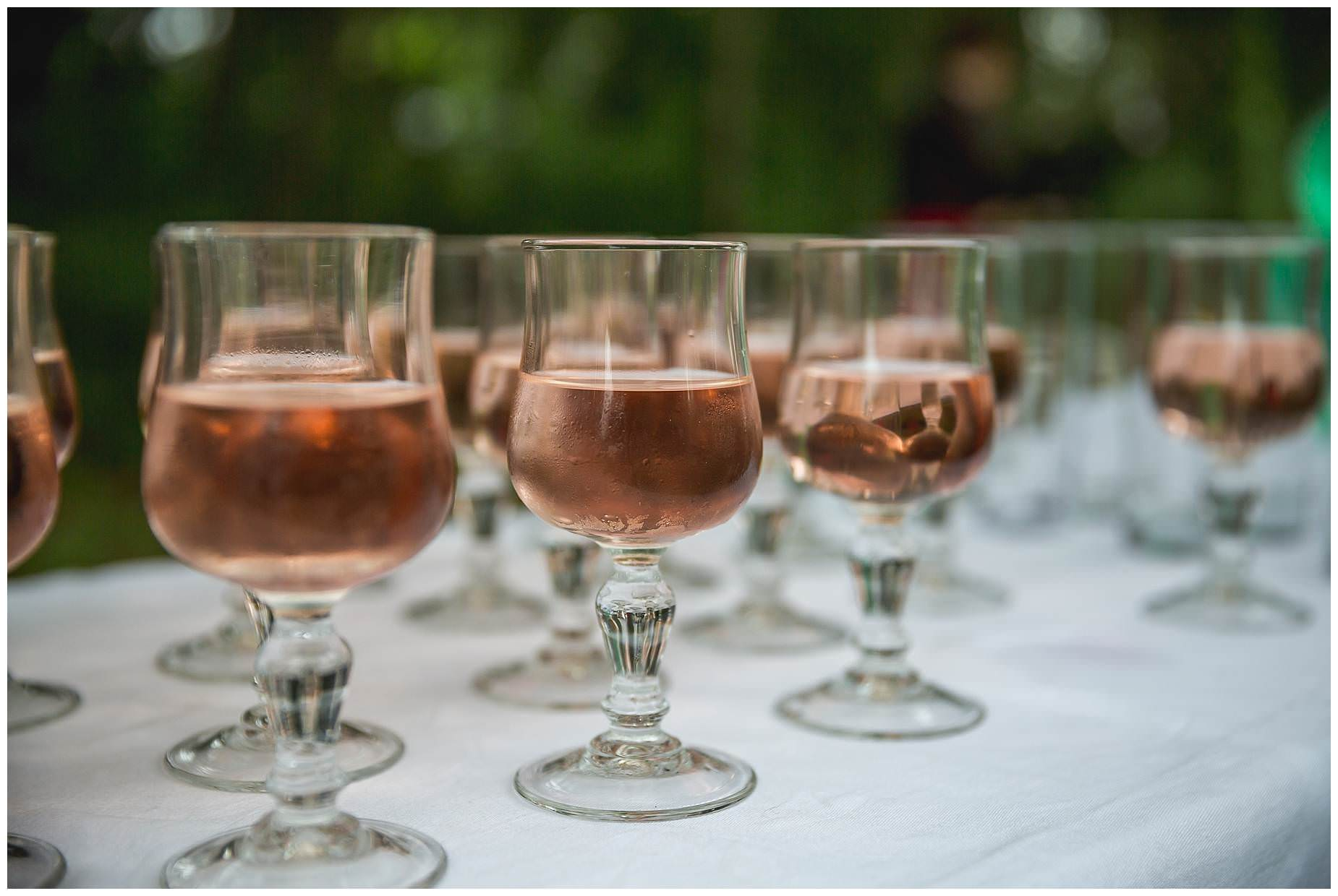 rose wine at pezenas wedding