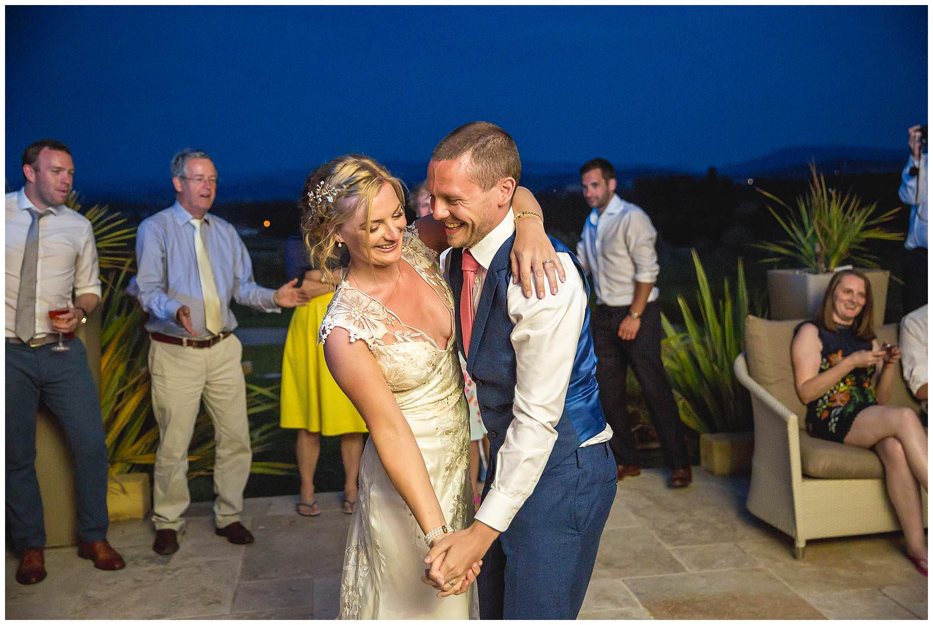 bride and groom dancing at domaine Gayda