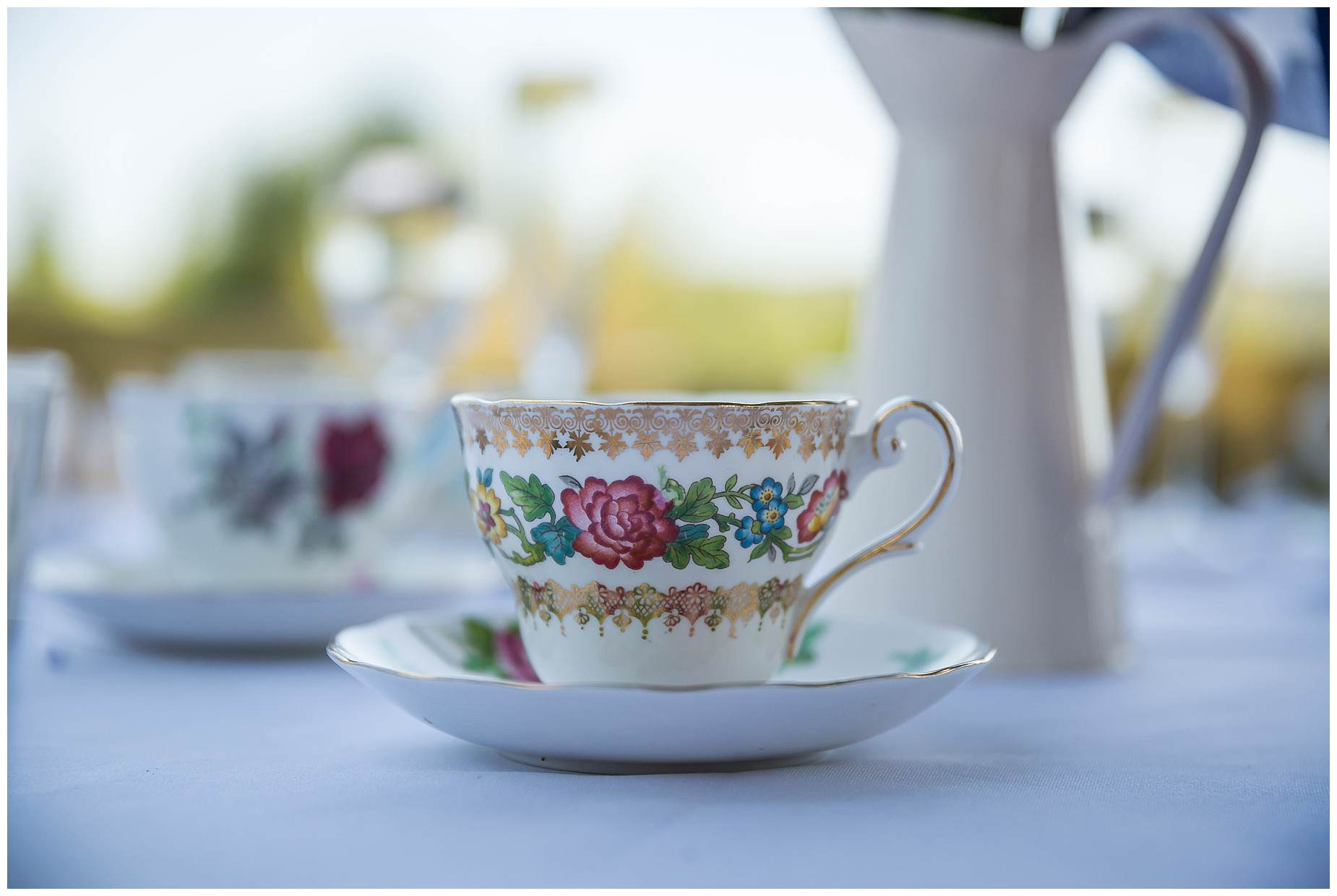 tea cups at wedding