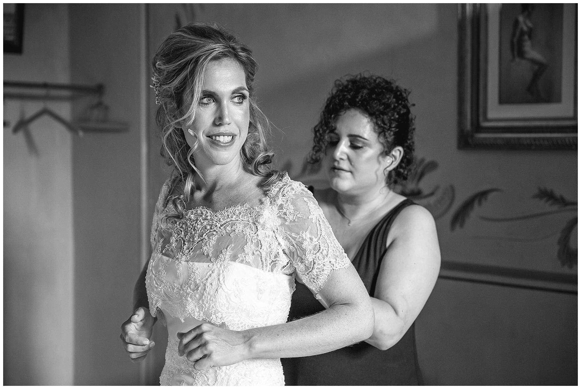 bride getting ready for her Chateau de Pouget wedding