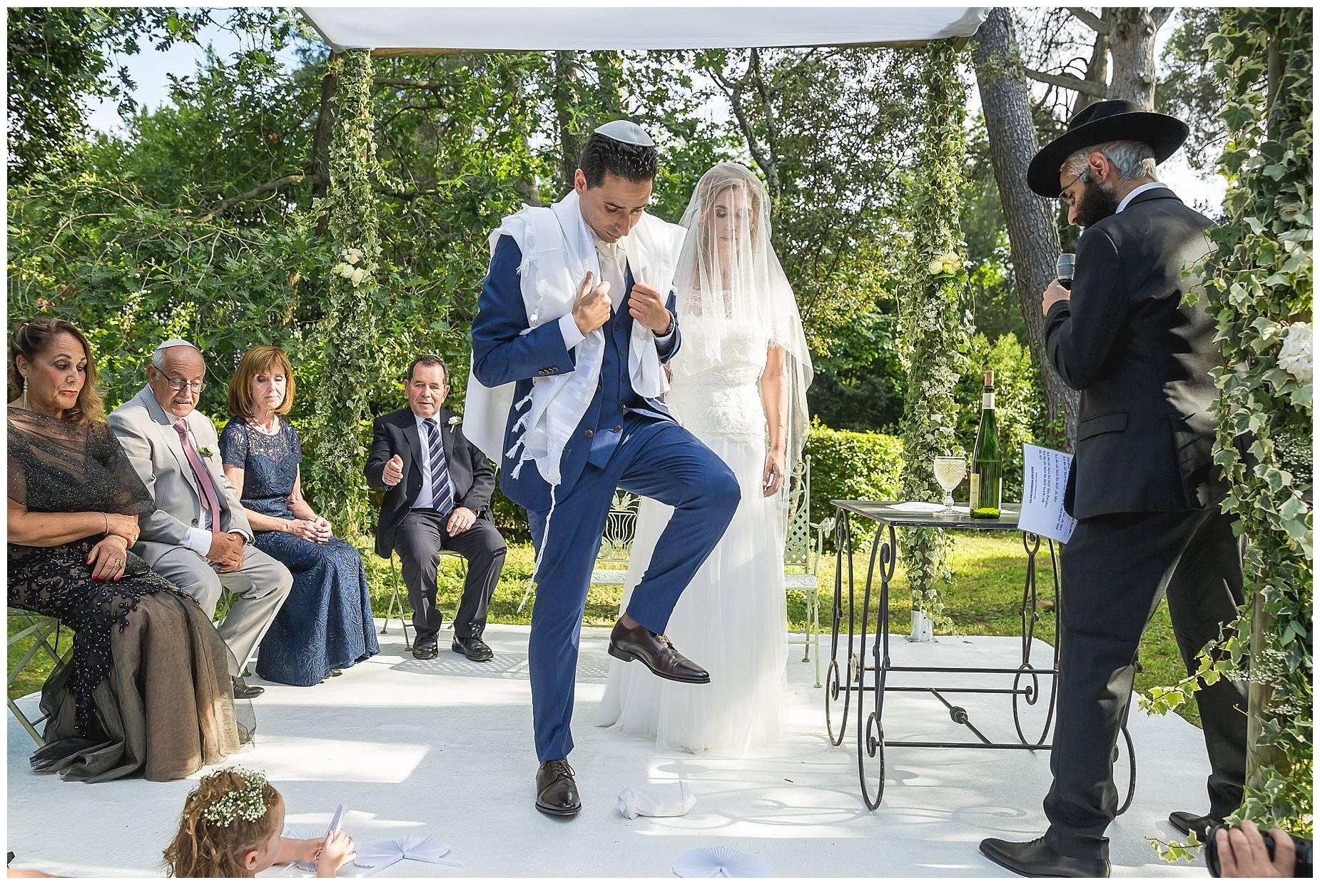 smashing the glass jewish wedding france