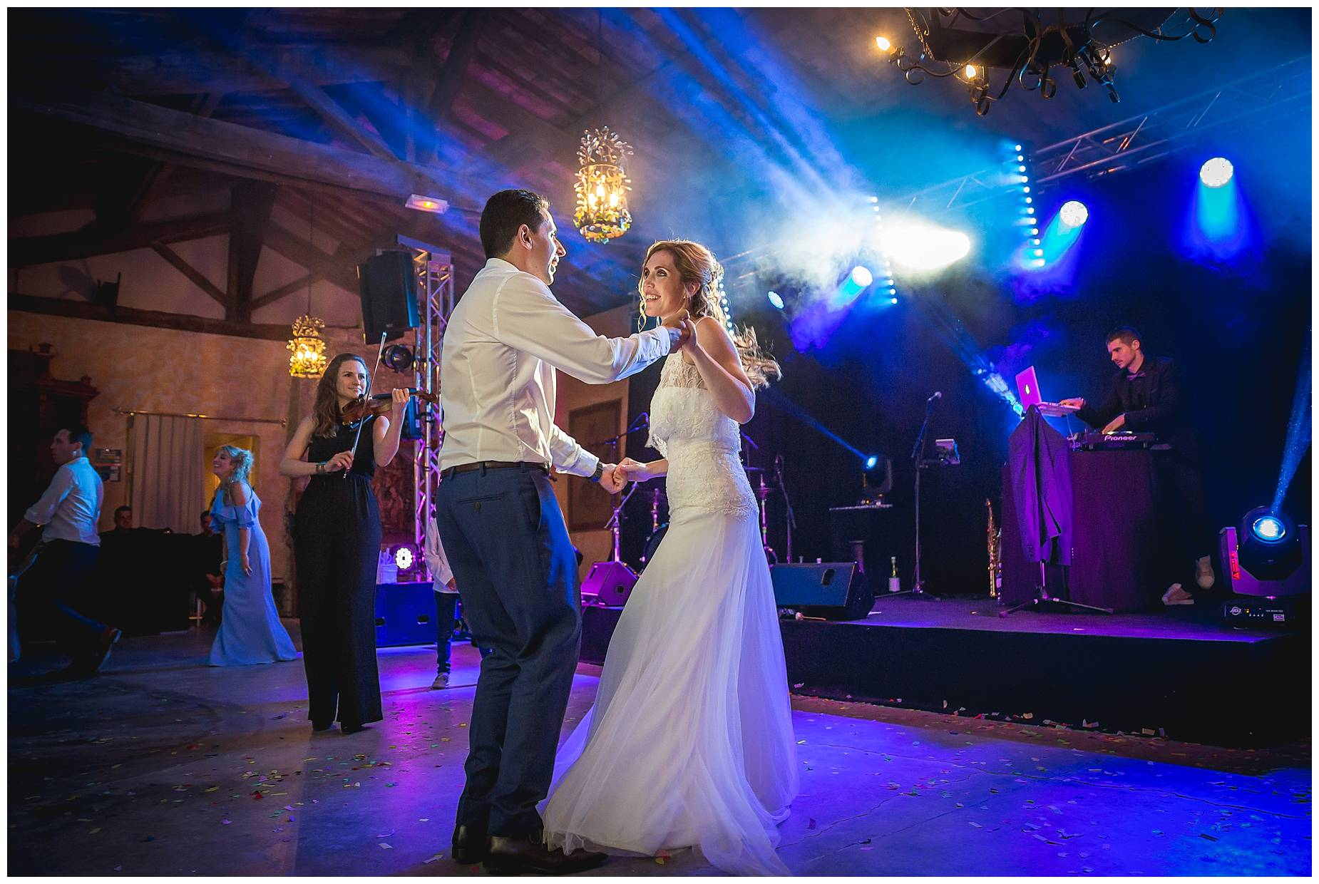 first dance at Chateau de Pouget wedding