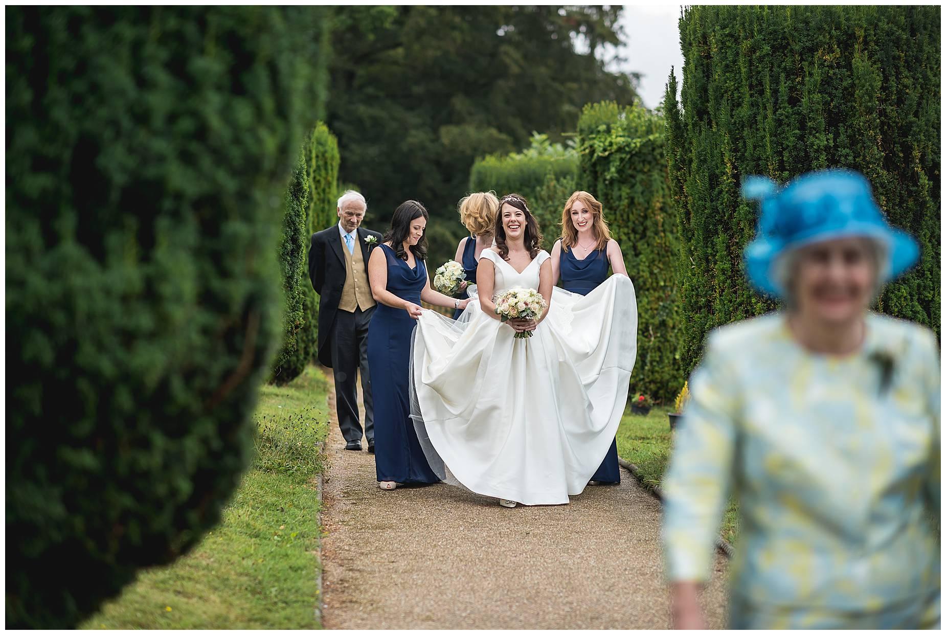 bride arrives at St Nicholas hedsor