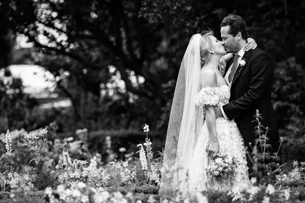 Holland park wedding pictures