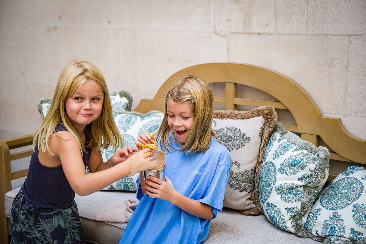The girl steals her sisters chips