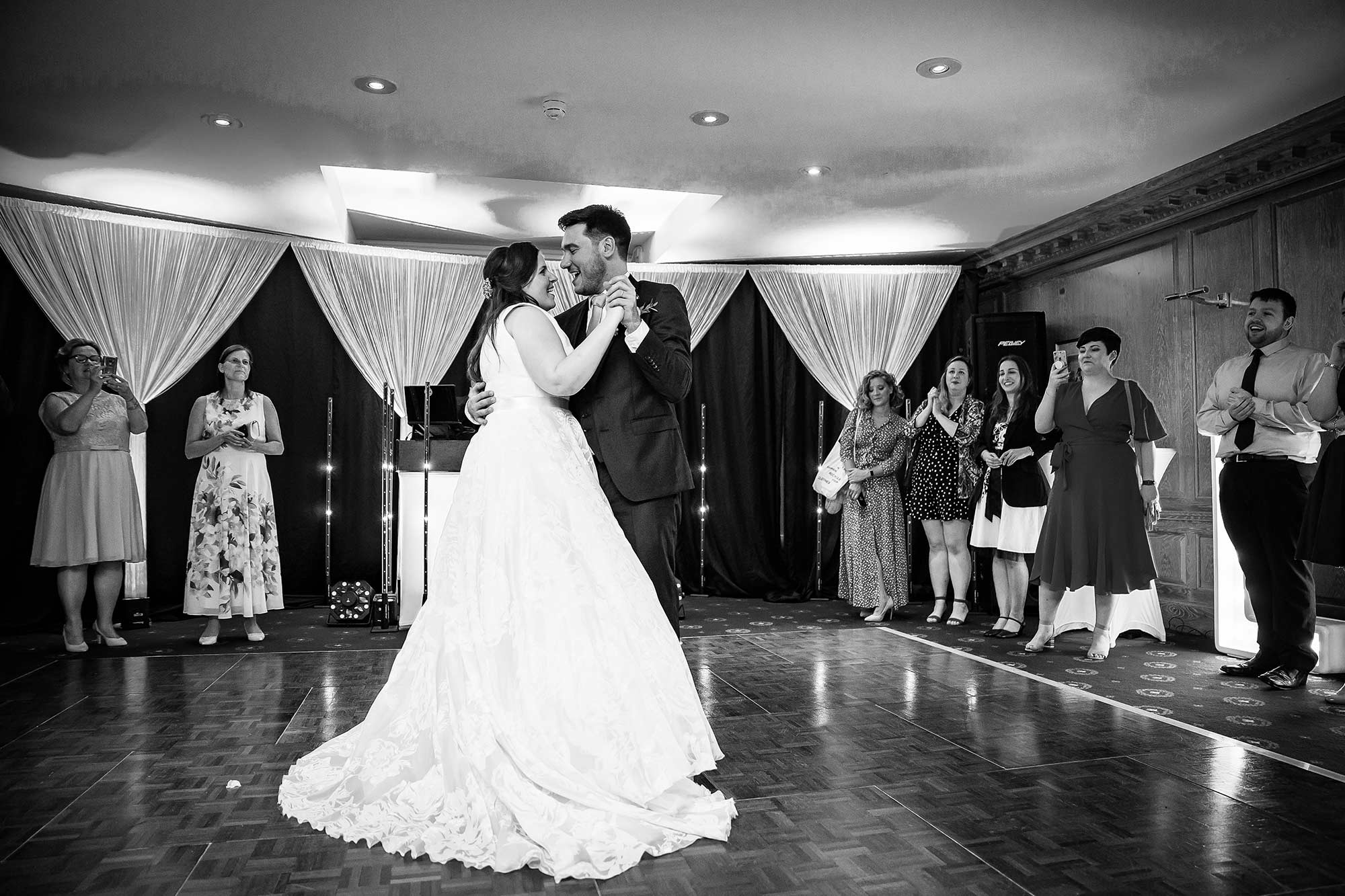 bride and groom in their first dance